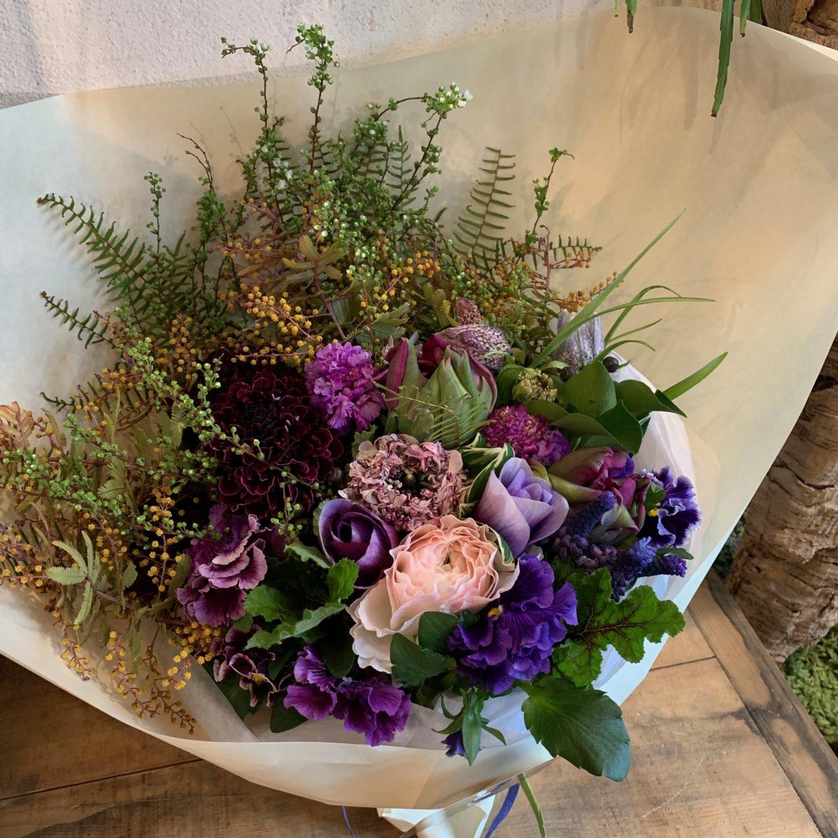 紫のグラデーション花束(¥8000)
