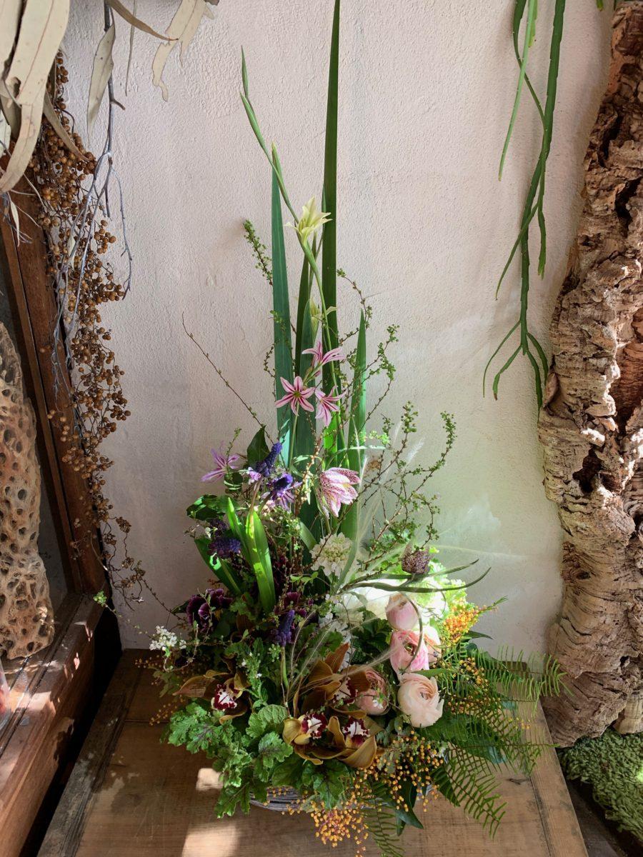 楚々としたお花で植生的なアレンジメント(¥15000)