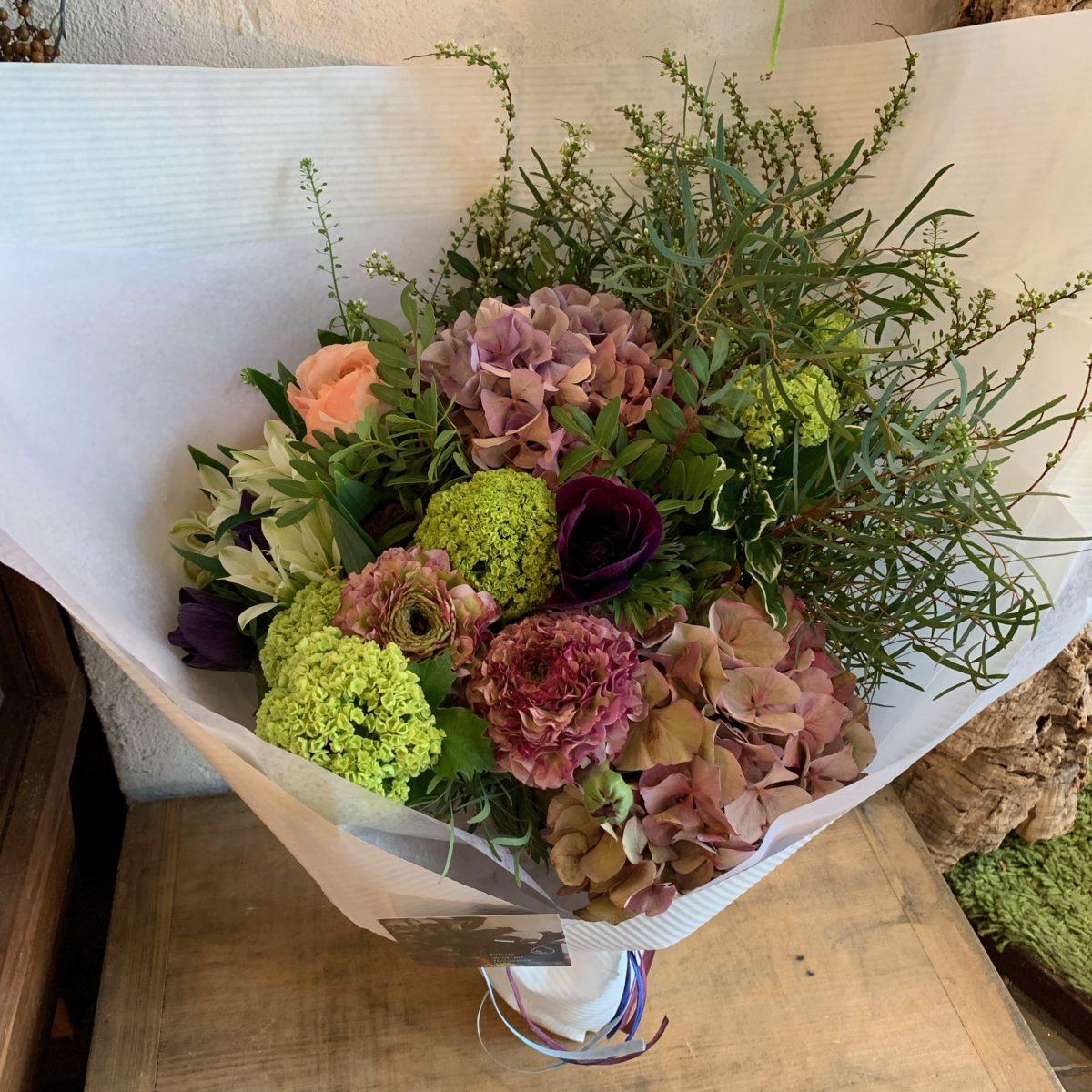 紫陽花とユーカリの花束(¥10000)
